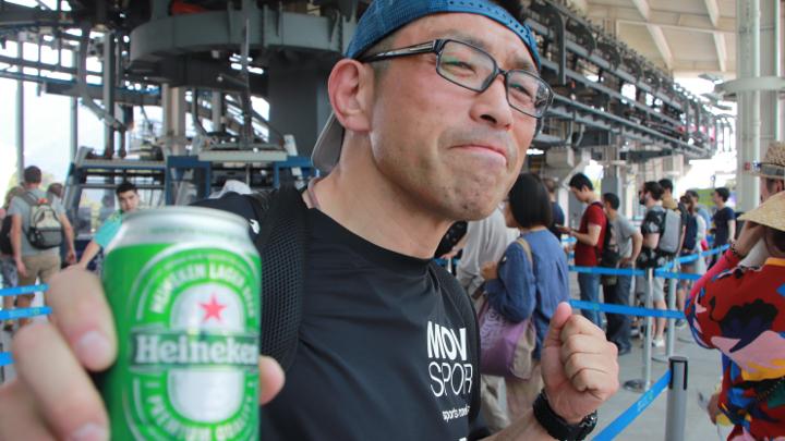 中川達彦 減量中に香港でビールで乾杯